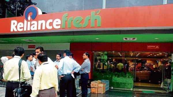 Reliance Retail's pre-tax profit increased 79.88% to  ₹1,941 crore in the June quarter. afp