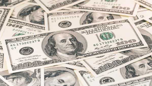 Rising valuations, surge in oil prices and firmness in US dollar would have made foreign investors wary of the near-term risks (iStock)