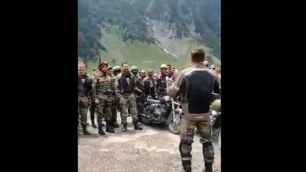 Kargil Vijay Diwas: Army Commander Northern Command leads the bikers of Dhruva Kargil Ride from the front