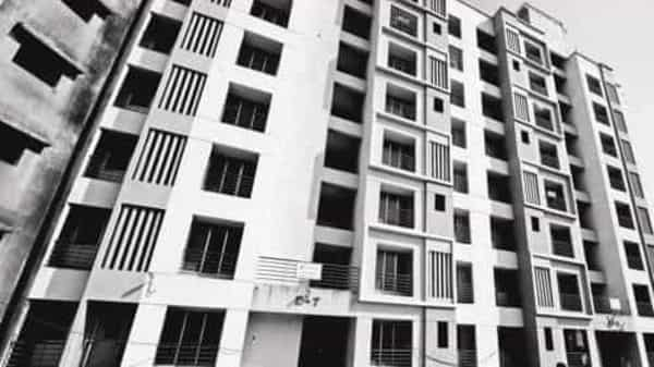 Property prices remained stagnant quarter-on-quarter and increased 2% compared to a year ago. Photo: Abhijit Bhatlekar/Mint