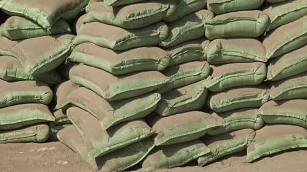 Shree Cement's revenue increased 47.9% to  ₹34.5 bn from  ₹23.3 bn, year on year (YoY), but declined on a sequential basis from  ₹39.6 bn (Hindustan Times)