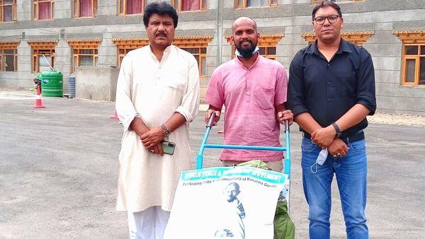 Nitin Sonawane (centre) arrived in Kargil on Saturday