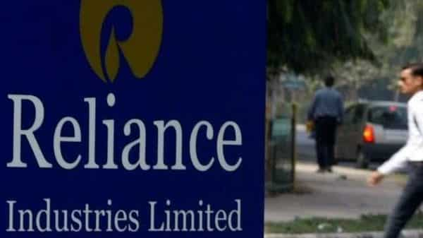Reliance Industries share price may go up to  ₹3,000 levels in 9-12 months, say stock market analysts. (REUTERS)