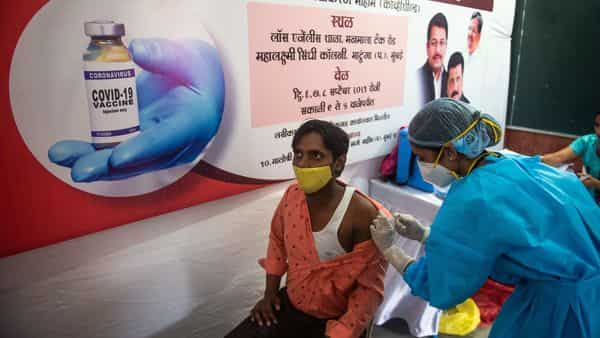 Beneficiaries get inoculated against Covid-19 during a free vaccination camp at Matunga (West), in Mumbai (Pratik Chorge/HT PHOTO)