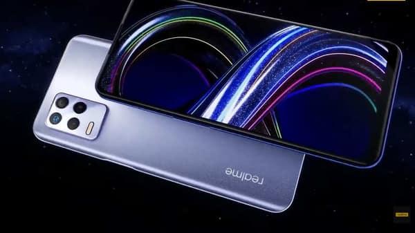 Realme 8s 5G comes with a triple lens setup