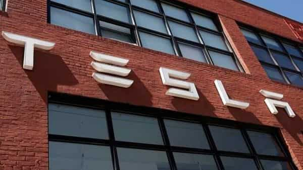 FILE PHOTO: The TESLA logo is seen outside a dealership in the Brooklyn borough of New York City, U.S., April 26, 2021. REUTERS/Shannon Stapleton/File Photo (REUTERS)