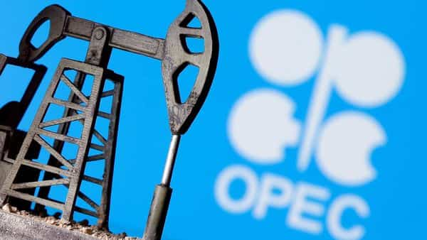 The report, citing secondary sources, said OPEC's output rose by 151,000 barrels per day during August to hit 26.76 mbd (Photo: Reuters)
