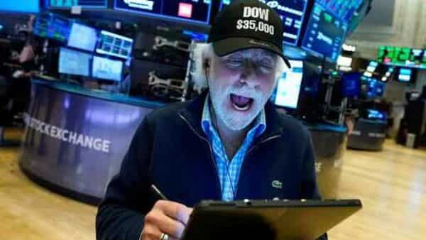The S&P 500 posted 8 new 52-week highs and no new lows, while the Nasdaq recorded 35 new highs and 43 new lows (Photo: AP)
