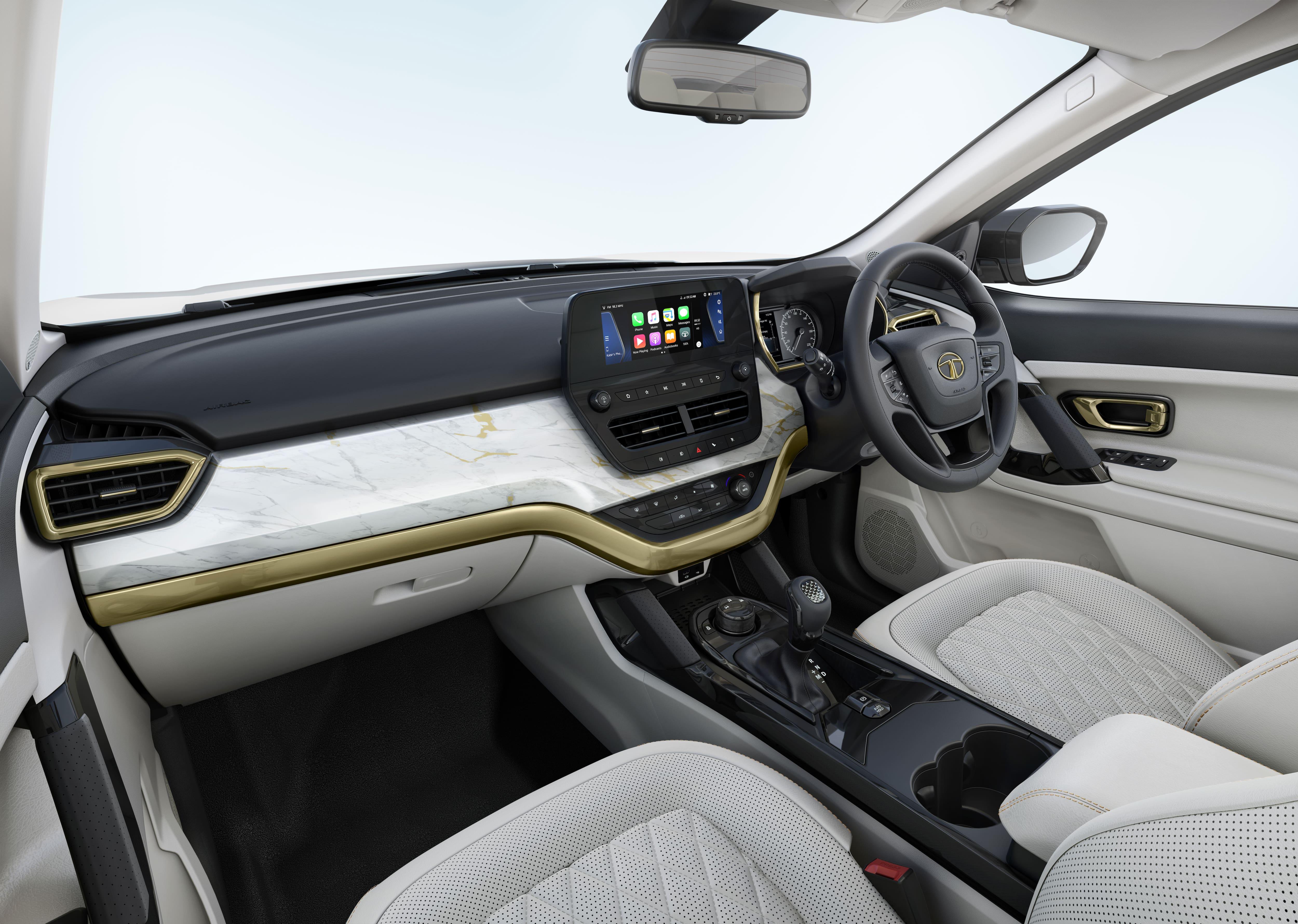 Interiores de Tata Safari en oro blanco