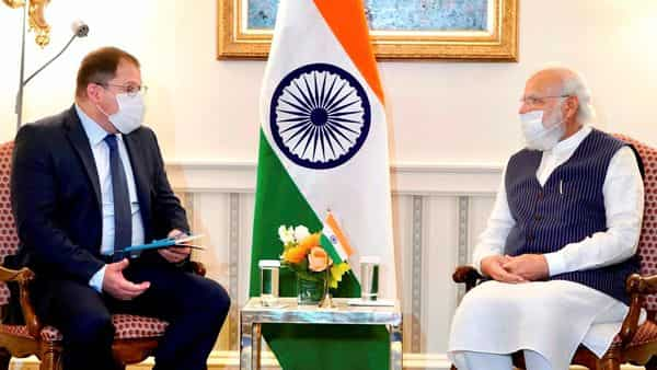 Prime Minister Narendra Modi with CEO of Qualcomm Cristiano Amon during a meeting. (PTI)