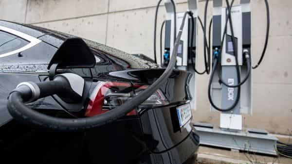 LG Chem had 24% of the global EV battery market as of end-May. (Bloomberg)