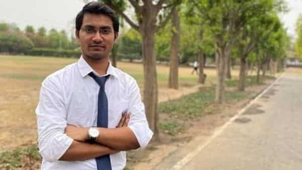 Kumar, aged 24 years, topped the civil services examination in his third attempt. Photo: Twitter
