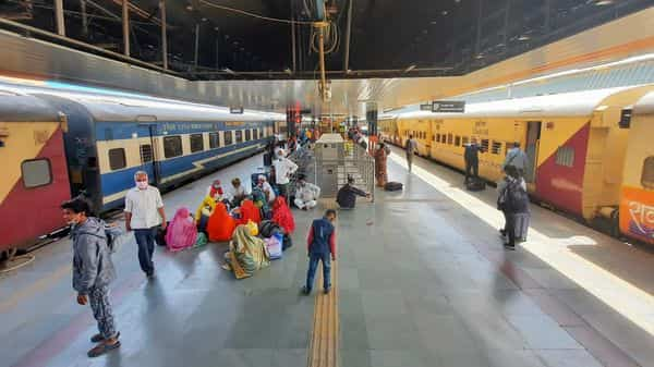 Indian Railways cancelled several trains due to Cyclone Gulab (HT)