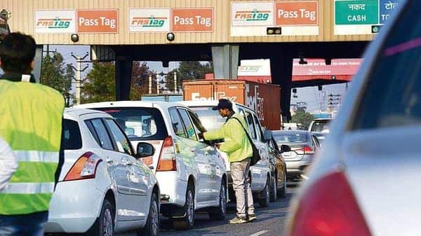 In the past three years, only about 1,408 kilometres of national highways were monetized. But now, the Centre plans to monetize 26,700 kilometres of roads via the national monetization pipeline by FY25. (Photo: Mint)