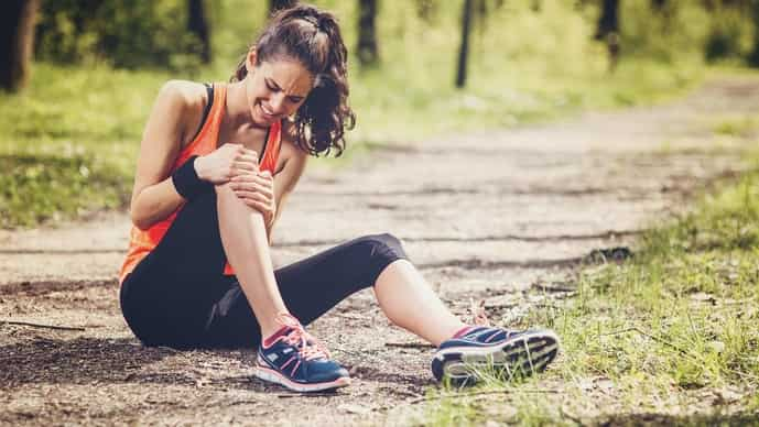 How to recover from a knee injury while running.