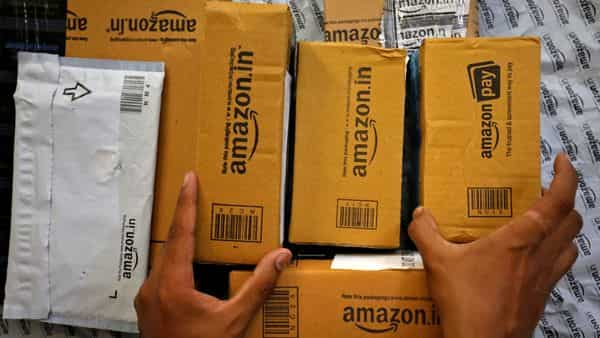 A group representing millions of India's brick-and-mortar retailers said the govt must launch an investigation into Amazon (REUTERS)