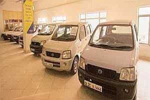 True Cars Used >> Reliance To Expand Used Car Business Scouts For Land