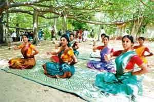Keeping time: Students practise Bharatanatyam at the Kalakshetra centre in Chennai. Photo: Sharp Image
