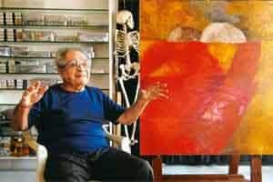 Aesthetics of colour: Padamsee explains at his Prabhadevi studio how deeply he was influenced by Gandhi, whose talks he would attend as a boy. Photo: Abhijit Bhatlekar/Mint