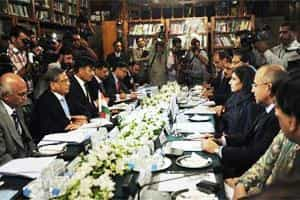 Indian foreign minister S.M. Krishna (second from left) and his Pakistani counterpart Hina Rabbani Khar (third from right) speak during a meeting in Islamabad on Friday. Photo: AFP
