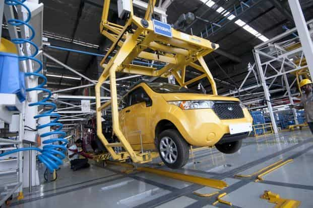 The assembly cages allow workers easy access to all parts of the car.