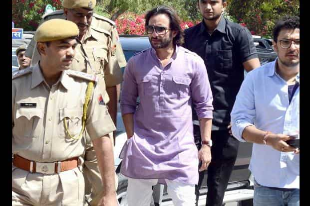 23 March 2013: Saif Ali Khan appears in a court in Jodhpur which framed fresh charges against Khan, along with Salman Khan and actresses Tabu, Neelam Kothari and Sonali Bendre in a 14-year-old black-buck hunting case. AFP