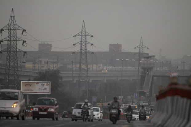 Yale's study showed Delhi had the highest concentration of harmful small particles less than 2.5 micro metres in diameter (PM 2.5) followed by Beijing. Photo: Hindustan Times