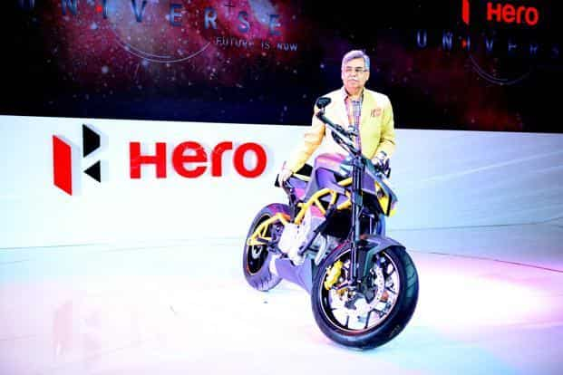 Pawan Munjal, MD and CEO of Hero Motocorp, unveils Hastur, a 620 cc super premium street fighter concept motorcycle. Pradeep Gaur/Mint