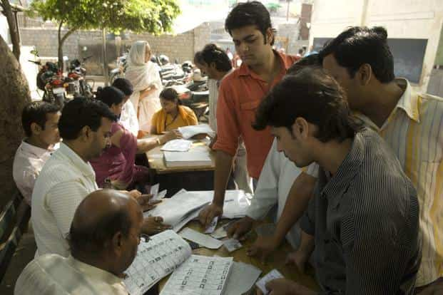 As much as 35% of the minority Muslims prefer the UPA as opposed to 12% supporting the NDA, the survey says. Photo: Mint