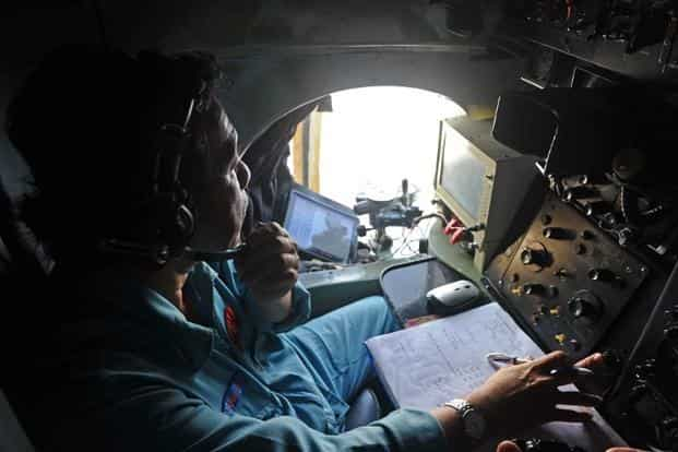 MH370 traced with physics in pizza-fueled Inmarsat huddle