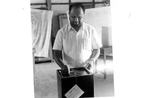 Assam leader Prafulla Kumar Mahanta voting in 1991.
