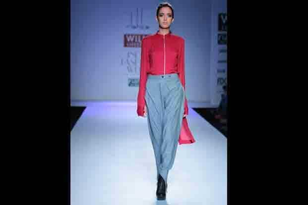 9. Arjun Saluja's collection 'Lahore, a maili chadar' traced the decadent city of Pakistan as a tapestry of time fragments, of friends (and identities) lost and found. The silhouettes were modern without being fierce, nostalgic without sagging with the burden of pastness.