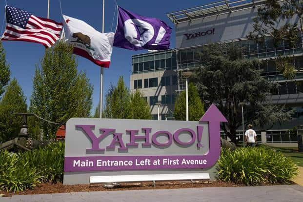 Shareholders can never be left with less than nothing, so even if the run-into-the-ground scenario is 100% likely, Core Yahoo should be worth zero, not billions of dollars less than zero. Photo: Bloomberg