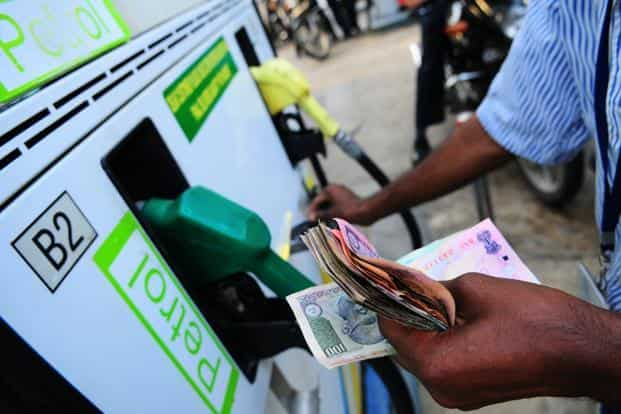 Despite deregulation, the benefits of competition are being denied to Indian petrol consumers. Photo: Pradeep Gaur/Mint