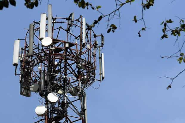Along with the spectrum in 2,100 MHz band, which is used to offer 3G services, the government will also offer the second generation or 2G mobile airwaves in three different bands in an auction scheduled for 4 March. Photo: Mint