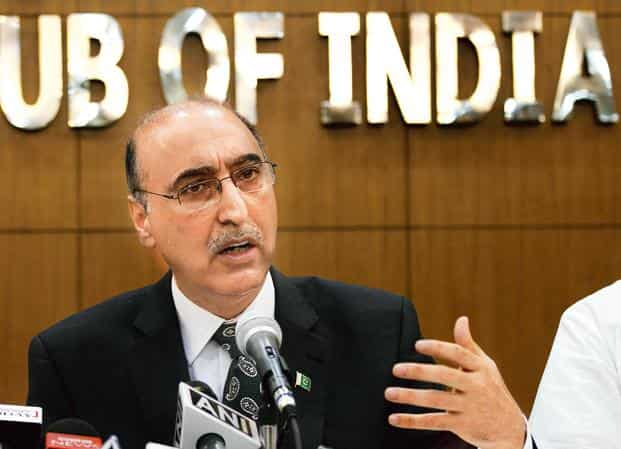Despite India giving the most favoured nation (MFN) status to Pakistan in 1996, Abdul Basit said, balance of trade is heavily skewed in favour of India. Photo: Hindustan Times