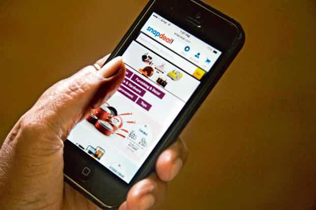 According to the report, 58% of those currently not using e-commerce services via mobile Internet, said they would begin to do so in the next six months. Photo: Bloomberg