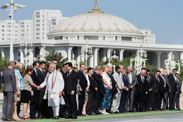A file photo of Prime Minister Narendra Modi meeting diplomats at Independence Square, Aguzkhan Palace in Turkmenistan on Saturday. Photo: PTI