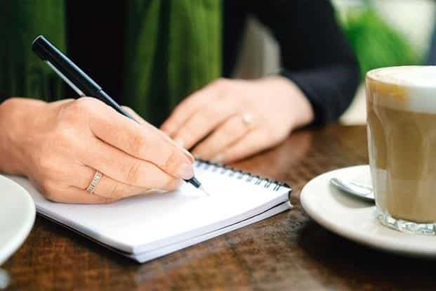 For trauma patients, writing should be done in a guided environment, for it can evoke negative memories. Photo: Istockphoto
