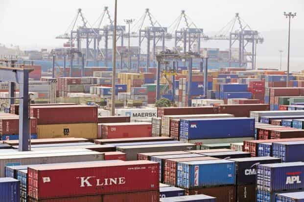 India's merchandise exports contracted at the quickest rate in the past five months in August, as shipments of petroleum products continued to sink on lower crude oil prices and external demand remained weak amid a tepid global economic recovery. Photo: Bloomberg