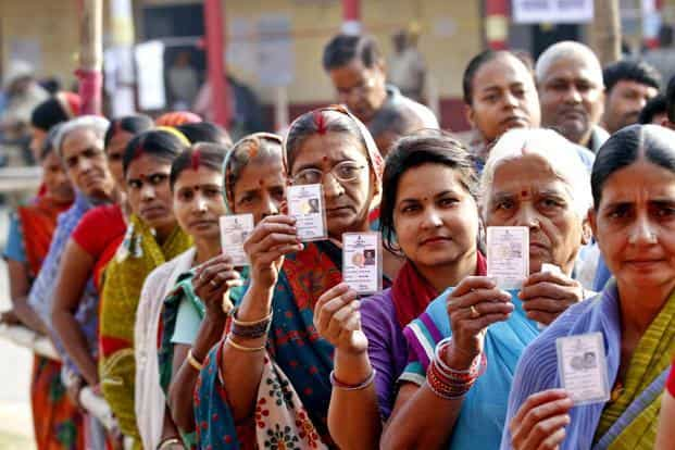 Voters in queue during 3rd phase Bihar assembly election in Patna on 28 October. Photo: Arvind Yadav/HT