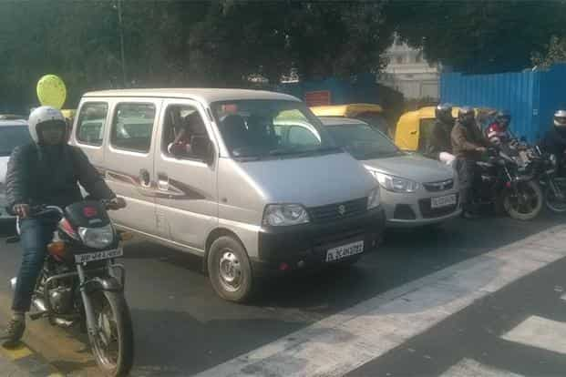 Cars with registration numbers ending in an even number were seen on the roads on 2 January 2016. Even-numbered cars rolled out on Delhi streets and the odd-numbered ones stayed largely off the roads on the second day. Photo: Ramesh Pathania/Mint
