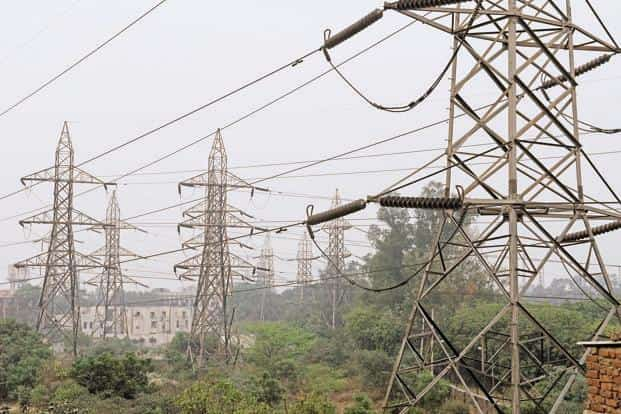 Foreign portfolio investors are worried the impending impact of the additional burden due to revival plans by discoms could lead to the supply of such bonds outstripping demand, leading to a price fall. Photo: Hindustan Times