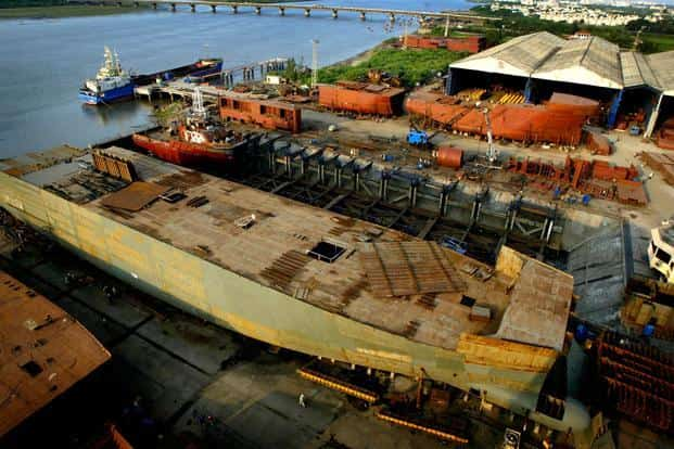 ABG Shipyard was hurt by a slump in the shipping industry, as freight rates fell in step with a decline in global trade, combined with a domestic economic slump. Photo: Bloomberg