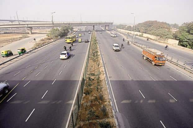 Toll rates are linked to the Wholesale Price Index (WPI), which is moving in the positive direction with food and manufactured goods prices showing an increase.  Photo: Pradeep Gaur/Mint