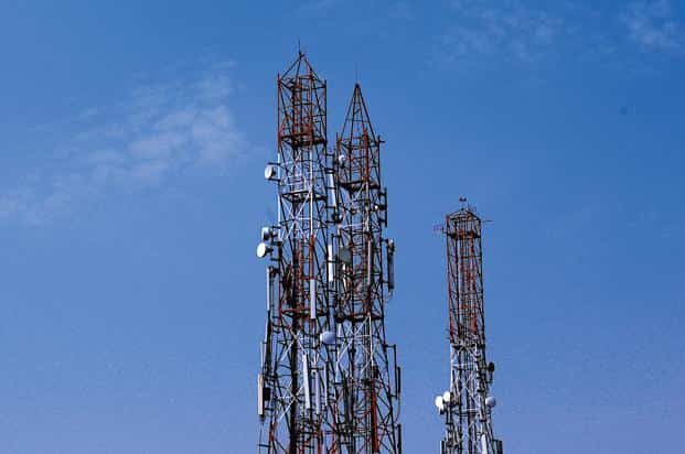 The approved auction will have spectrum bands of 700MHz, 800MHz, 900MHz 1800MHz, 2100MHz, 2300 MHz and 2500 MHz available for sale. Photo: Priyanka Parashar/Mint