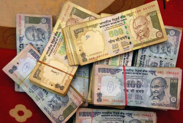 High-value transactions in cash are a common feature in the real estate sector where buyers try to get away with lower stamp duty. Photo: Mint