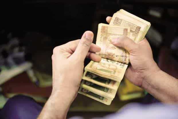 India's 10-year bond yield was at 7.235% as compared with its Wednesday's close of 7.251% Photo: Pradeep Gaur/Mint