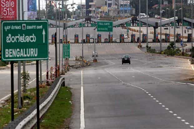A deserted view of Bengaluru International Airport road during the Karnataka Bandh against the Supreme Court verdict on Cauvery water on Friday. Photo: PTI