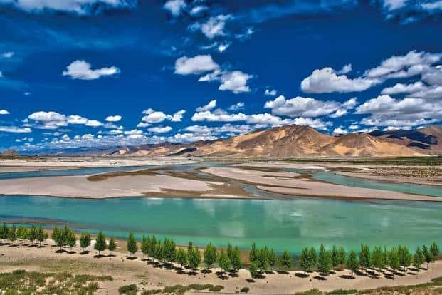 A view of the Brahmaputra river at Shigatse
